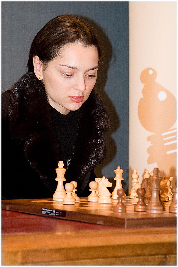 Alexandra Kosteniuk Interview by WIM Beatriz Marinello